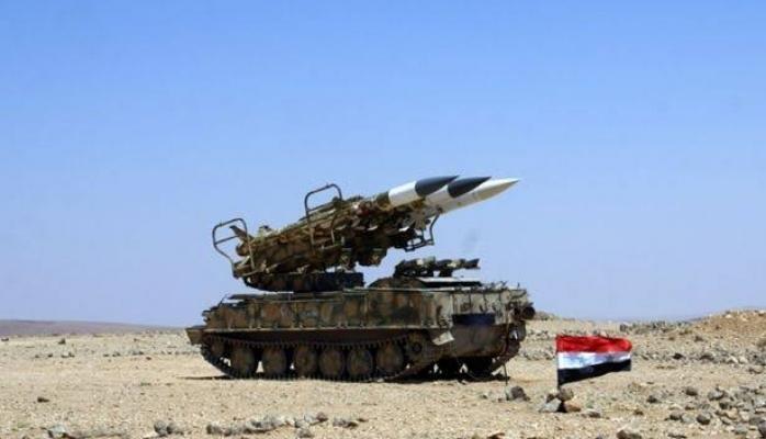 Suriye hava savunması saldırıları püskürtüyor'