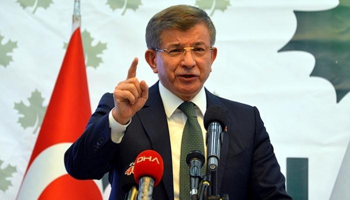 Davutoğlu'ndan Berat Albayrak'a sert eleştiri