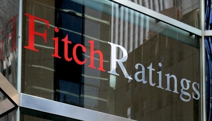Fitch Türkiye'nin kredi notunu düşürdü!
