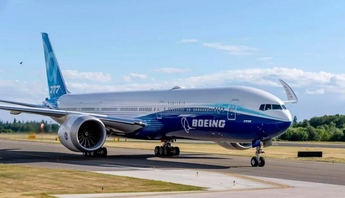 Dünyanın en büyük çift motorlu ticari uçağı