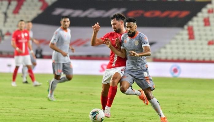 Antalyaspor : 0          Başakşehir : 2