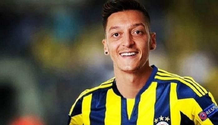 Fenerbahçe'nin yeni transferi Mesut Özil, İstanbul'da