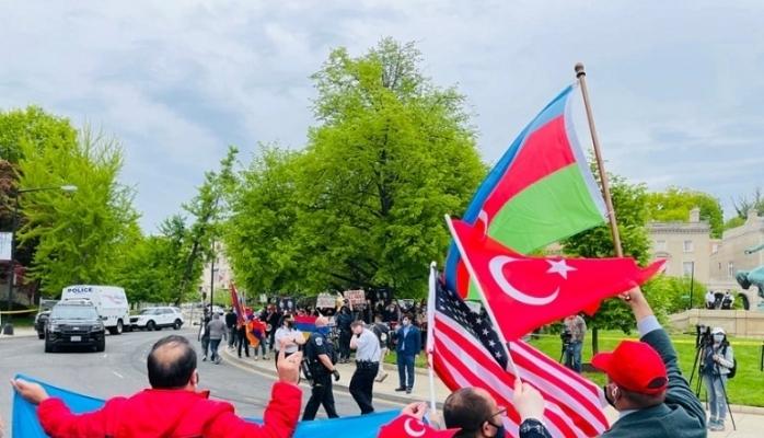 Washington'da Türkler ve Ermeniler Gösteri Yaptı