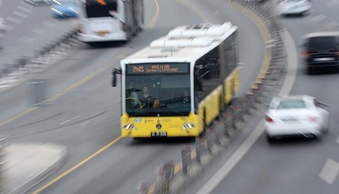 Metrobüsler çarpıştı: İşte O anlar VİDEO