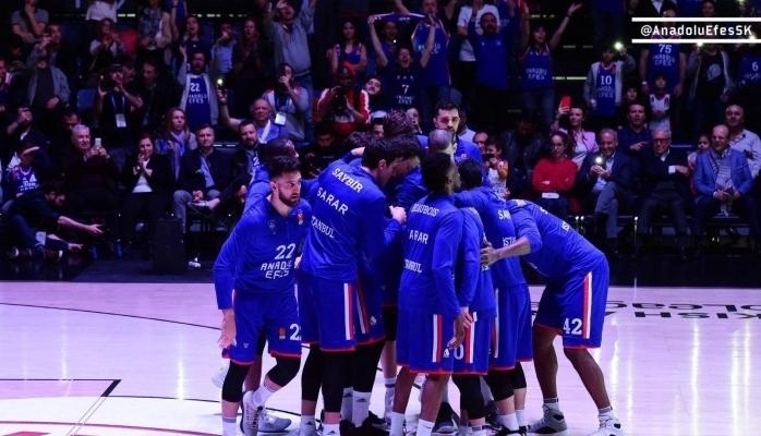 Anadolu Efes Son Maçta Şampiyon